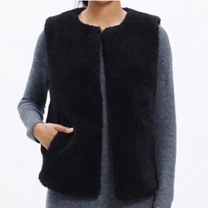 Madewell faux shearling fur black vest